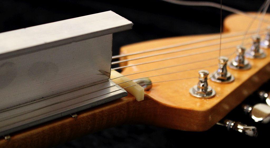 Guitar String Under Tension : wudtone utfl under tension fret leveller wudtone custom guitar innovation hardware finishes ~ Russianpoet.info Haus und Dekorationen